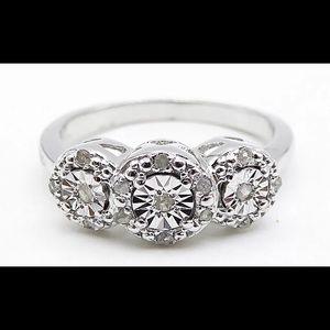 Jewelry - 🔥🔥 Kewl Sterling Diamond Ring 🔥🔥